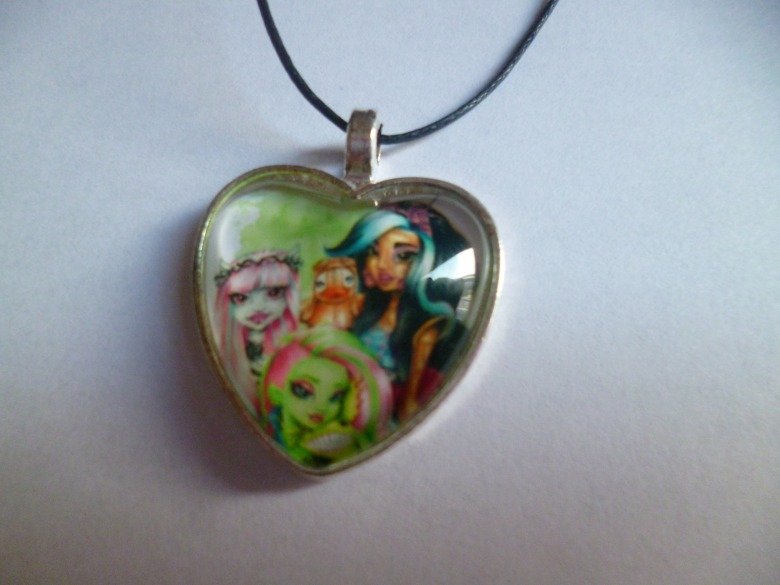 collier coeur cabochon monters high